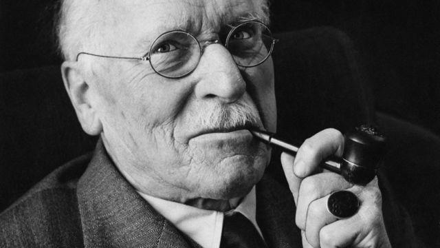 КАРЛ ГУСТАВ ЮНГ(1875-1961), доктор медицины, швейцарский психиатр и психолог, известный на весь мир.